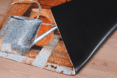 Резиновый грязезащитный коврик под дверь